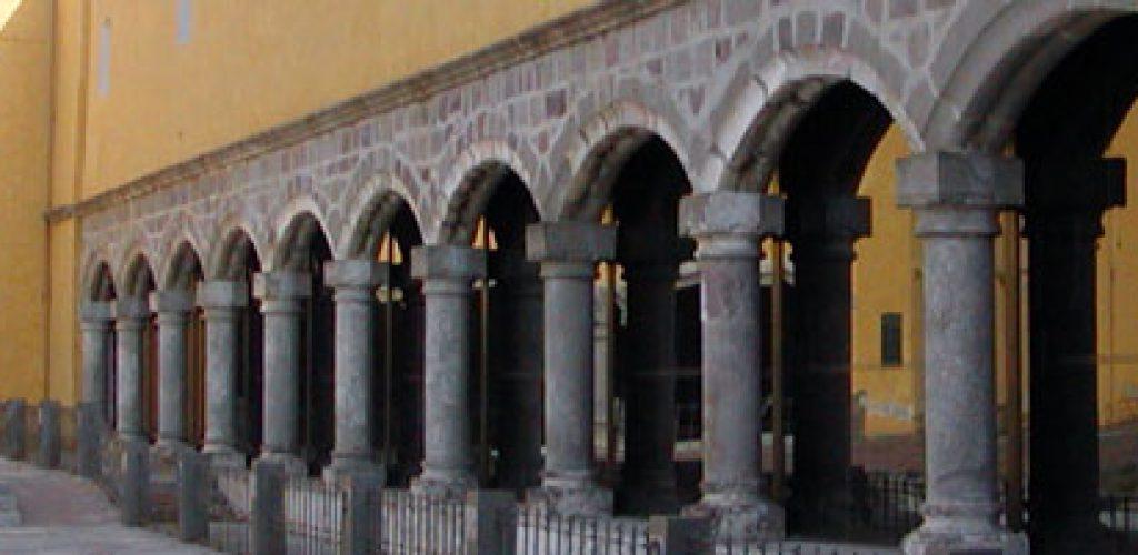 Celebra Biblioteca Franciscana diez años de su restauración con la presentación del libro: Della Biblioteca Franciscana