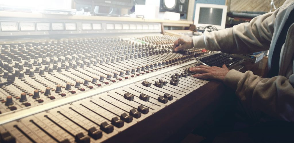 La creatividad es una necesidad de la producción radiofónica