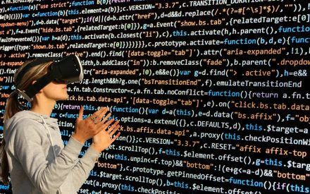 Sistema distribuido de realidad aumentada enfocado a dispositivos móviles.