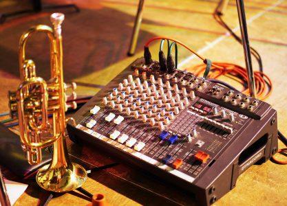 Conjunto de música contemporánea para trabajar material musical tanto de investigación, ejecución, arreglos y composición