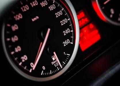 Luces de día en automóviles: corresponsabilidad ante el calentamiento global