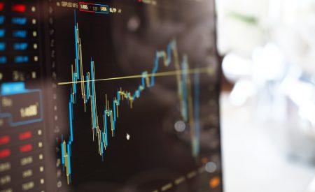 Midiendo la reacción del mercado accionario Dow Jones sobre los reportes trimestrales desde una perspectiva innovadora