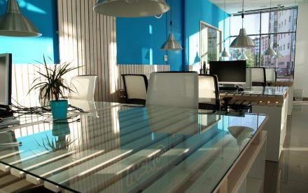 """Propuesta de un plan de negocios para el establecimiento de un """"Coworking Space"""" ubicado en la zona metropolitana de la ciudad de Puebla dirigido a emprendedores universitarios"""