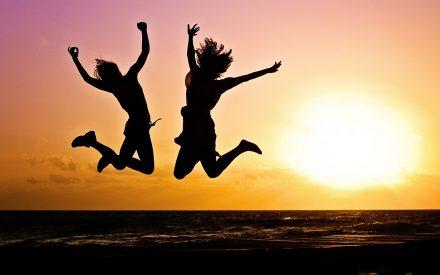La felicidad es más contagiosa que el miedo