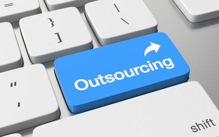 El outsourcing empresarial: un fenómeno presente en la dignidad laboral mexicana